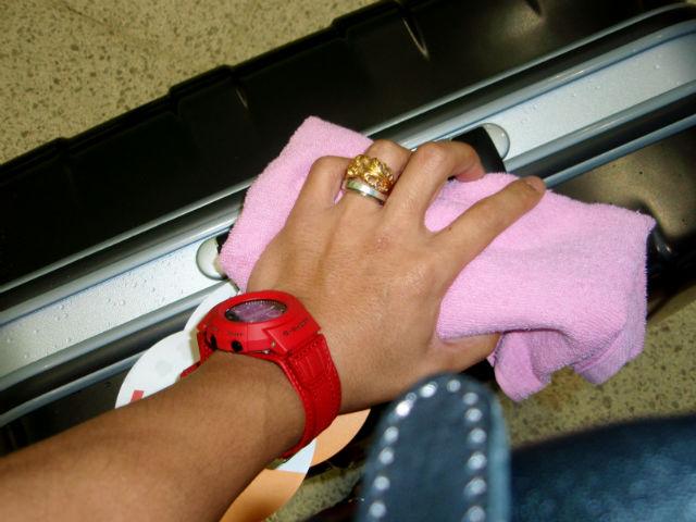 時計とスーツケース
