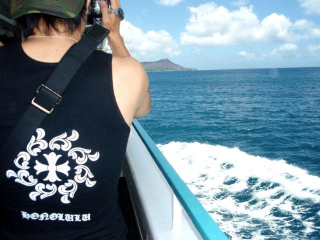 ハワイ旅行で海