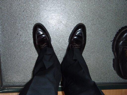 オールデンの靴とUNIQLOのパンツ