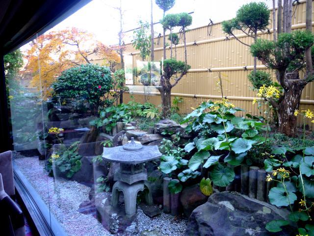 有馬温泉 御幸荘 花結び ロビーの中庭