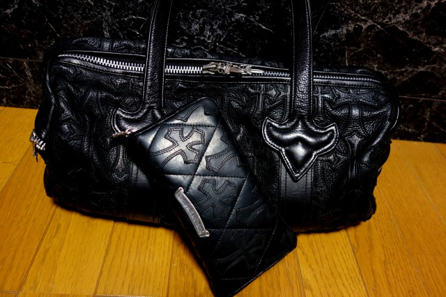 CHROME HEARTS/WALLET REC F ZIP#2 CEMETERY CROSS QUILTED BLACK LIGHT LEATHER