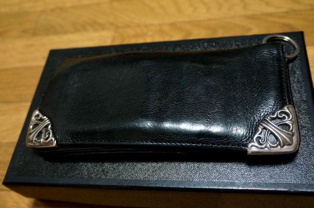 使い込んだクロムハーツの財布