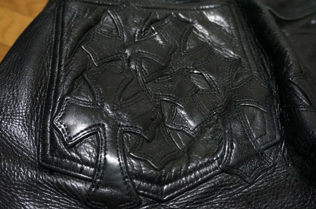 クロムハーツ バックポケットのセメタリーパッチ
