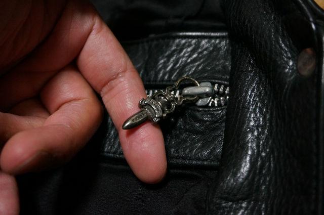クロムハーツ 内ポケットのダガー
