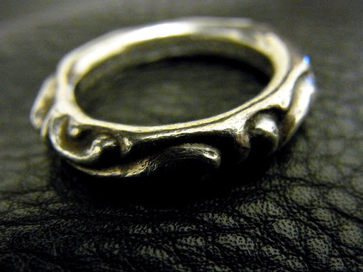 CHROME HEARTS SCROLLBAND RING