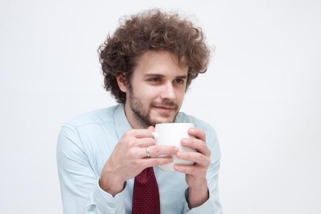 珈琲を飲む人