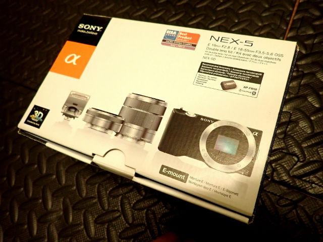 ユーズドのSONY NEX-5Kの箱