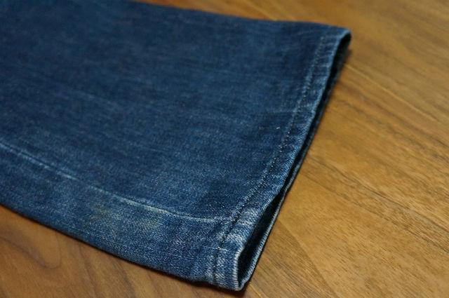 クロムハーツ ブルージーンズの裾