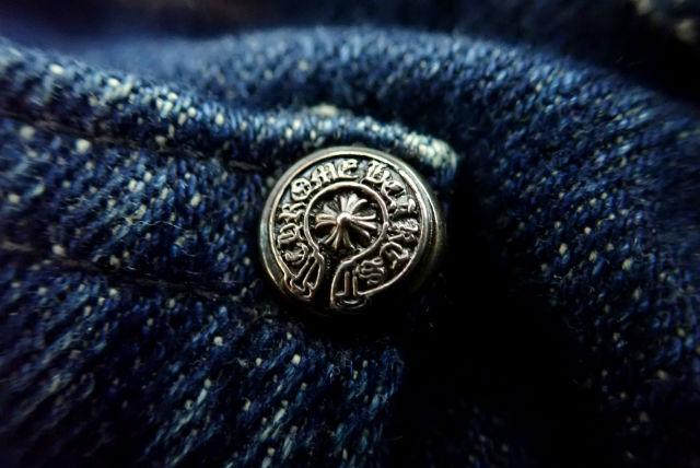 クロムハーツ ブルージーンズのボタン