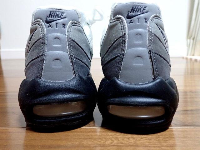 Nike(ナイキ)エアマックス95OGのバックスタイル