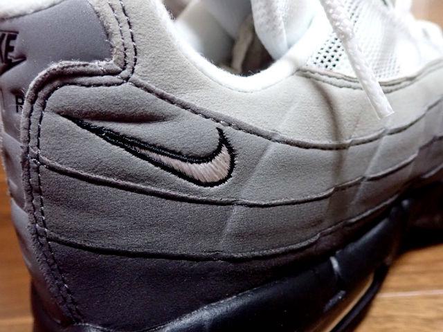 Nike(ナイキ)エアマックス95OG ナイキのロゴ
